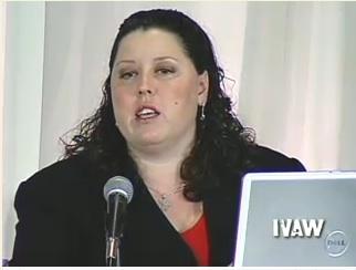ターニャ・オースティン 画像出典;IVAW証言ビデオ